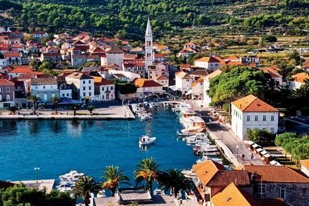 Khung cảnh thần tiên tại biển Croatia (Nam Tư cũ)