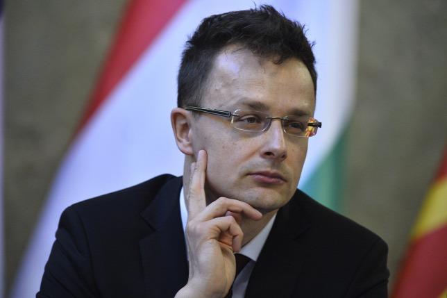 Bộ trưởng Ngoại giao và Kinh tế Đối ngoại Hungary Szijjártó Péter - Ảnh: Bielik István (origo.hu)