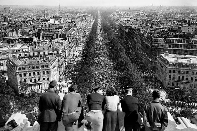 Đại lộ chính Champs Elysee, Paris (Pháp)