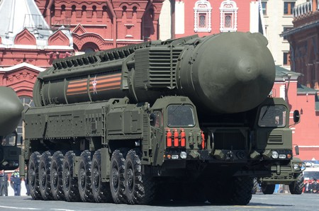 Nga phô diễn kỹ thuật giết người tại cuộc duyệt binh nhân Ngày Chiến thắng 9-5-2015 - Ảnh: Internet