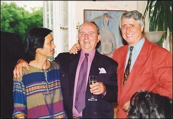 Họa sĩ Lê Thương (ngoài cùng, bên trái) cùng các bạn hữu Hungary