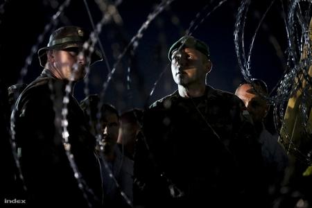 Màn hạ trước người tỵ nạn tại biên giới Hungary - Serbia