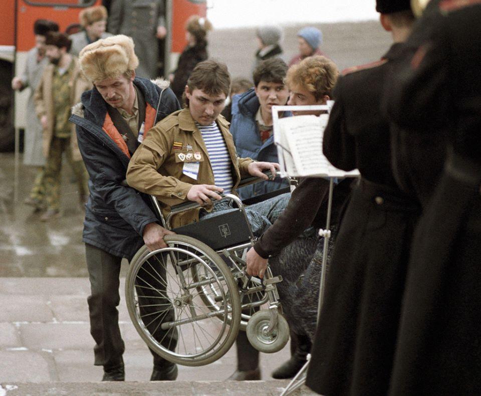 Cái giá phải trả khi xâm lược Afghanistan: thương phế binh Liên Xô trở về. Hình của RIA Novosti (1990)