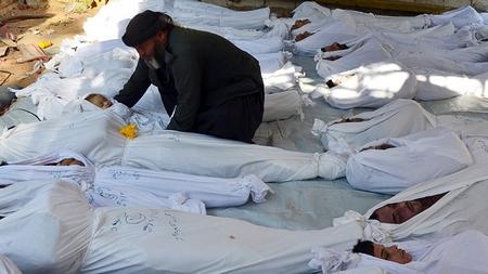 Đừng quên rằng người dân Trung Đông đang hàng ngày đối diện với cái chết... - Ảnh: Bassam Khabieh (Reuters)