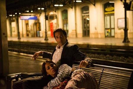 """Adrien Brody (trái) và Moran Atias trong phim """"Người thứ ba"""" - Ảnh: Internet"""