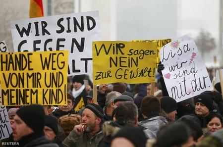 Biểu tình tại Berlin, ngày 23-1-2016 - Ảnh: Hannibal Hanschke (Reuters)