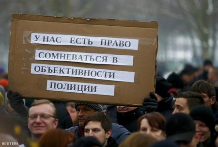 """Kiều dân Nga biểu tình ở Berlin: """"Chúng tôi có quyền nghi ngờ tính khách quan của cảnh sát"""" - Ảnh: Hannibal Hanschke (Reuters)"""