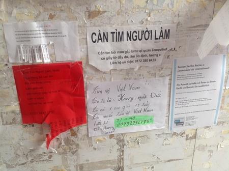 Những thông tin cộng đồng có thể thấy ở khắp mọi khu vực của Đồng Xuân