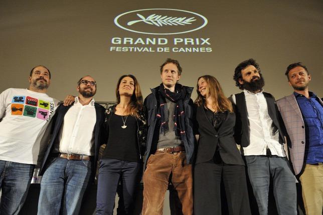 Đoàn làm phim tại cuộc họp báo ở Budapest sau khi giành Giải thưởng lớn (Grand Prix) tại LHP Quốc tế Cannes (Pháp) - Ảnh: Kovács Tamás (MTI)