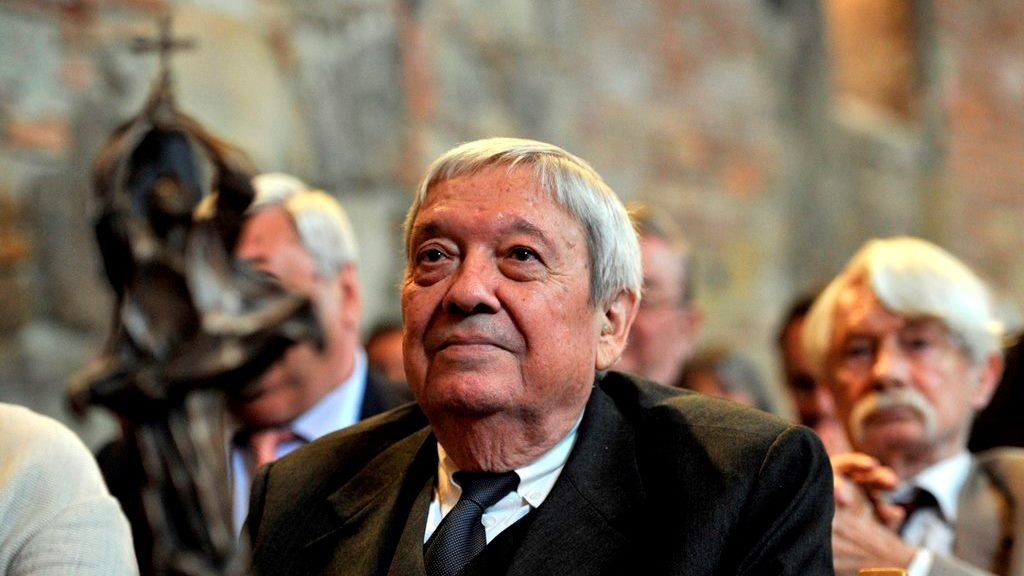 GS. TS. Pozsgay Imre trong lễ nhận Giải Thánh István (tháng 10-2015)