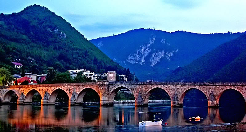 Cầu Mehmed Paša Sokolović - Ảnh: stormfront.org