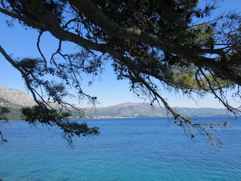 Biển Adriatic đoạn bao quanh đảo Korčula, tương truyền là nơi chào đời của Marco Polo