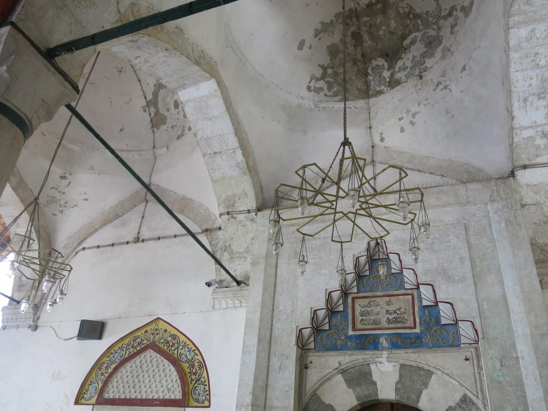 ... và Hồi giáo (Thánh đường Koski Mehmed Paša)
