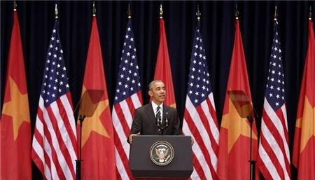 Tổng thống Mỹ Barack Obama phát biểu trước người dân Việt Nam tại Trung tâm Hội nghị Quốc gia. Hà Nội, 24-5-2016 - Ảnh: AP