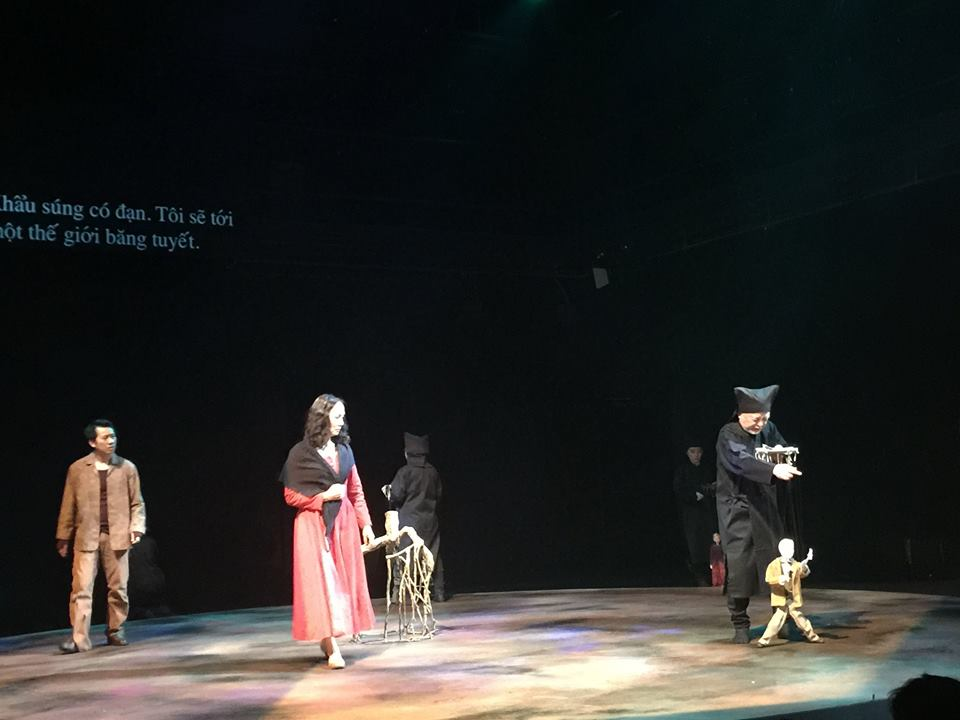 Dàn diễn viên Việt - Nhật đã diễn rất tốt một vở diễn không dễ hiểu - Ảnh: Nhà hát Tuổi Trẻ Việt Nam