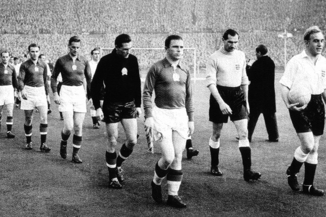 Đội tuyển vàng Hungary với thủ quân Puskás Ferenc trong trận đấu thế kỷ với tuyển Anh tại sân vận động Wembley, ngày 25-11-1953 - Ảnh: AFP