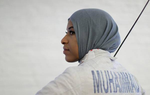 Kiếm thủ Olympic Ibtihaj Muhammad của Mỹ - Ảnh: Getty Images