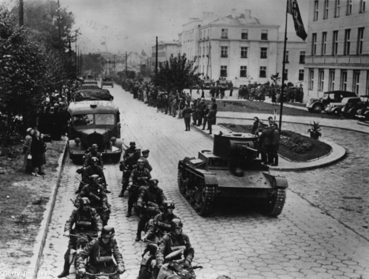 Hồng quân và các đơn vị quân đội Đức tại Brest-Litovsk năm 1939 - Ảnh: Topical Press Agency (Getty Images Hungary)