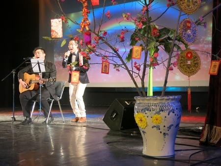 Một tiết mục đặc sắc trong dịp Tết Cộng đồng 2016 - Ảnh: Trần Lê