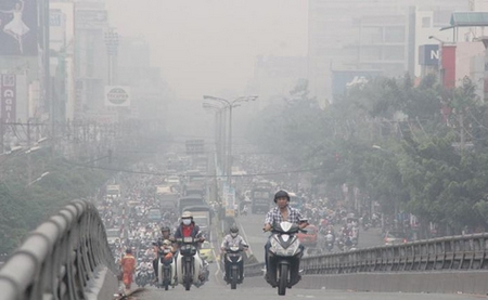 Hà Nội vĩnh viễn không còn bầu trời trong xanh do mức độ ô nhiệm không khí đã ở mức hết sức báo động - Minh họa: us.24h.com.vn