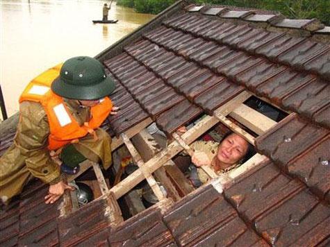 Người dân lâm vào cảnh khốn cùng... - Ảnh: laodong.com.vn