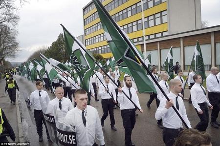 """""""Phong trào Kháng chiến Bắc Âu"""", một tổ chức vũ trang cực hữu - Ảnh: beforeitsnews.com"""