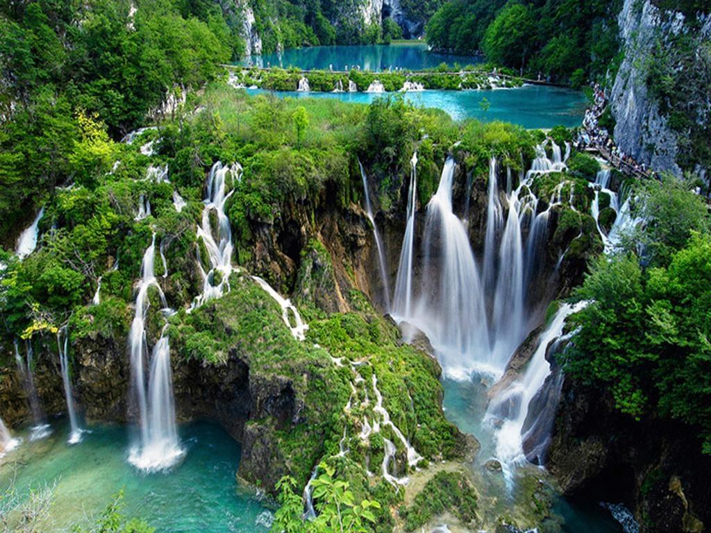 """Công viên Quốc gia Hồ Plitvice, """"thiên đường hạ giới"""" ở Croatia - Ảnh: president-zagreb.com"""