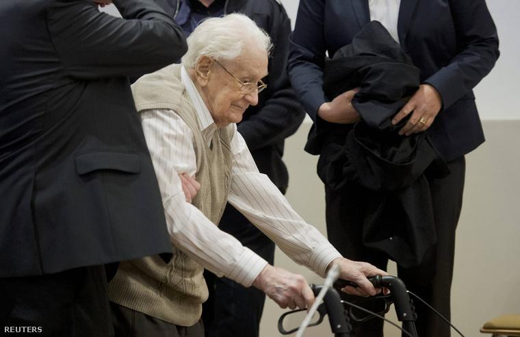 Oskar Gröning trong phiên xử - Ảnh: Reuters