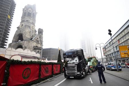 Chiếc xe tải bên Nhà Thờ Cụt, Berlin