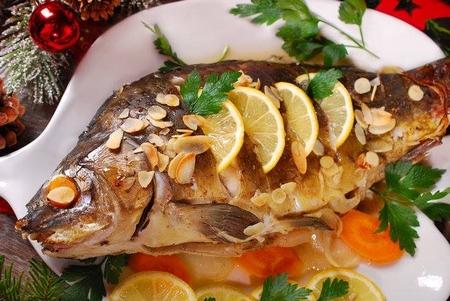 Cá chép, cơ sở của menu trên bàn tiệc mùa Giáng sinh - Ảnh: Teresa Kasprzycka (Shutterstock)