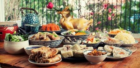 Cỗ bàn tết công phu, cầu kỳ nhưng... ăn được là mấy mà mệt thì thật là... - Minh họa: Timeoutvietnam.vn