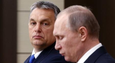 Trong mắt giới lãnh đạo Hung, các tổ chức dân sự độc lập nhận tiền từ nước ngoài để gây rối (kể cả trong vấn đề tỵ nạn) và phục vụ những lợi ích ngoại bang - Ảnh: Orbán Viktor và Vladimir Putin, hai vị lãnh đạo có nhiều tư tưởng tương đồng