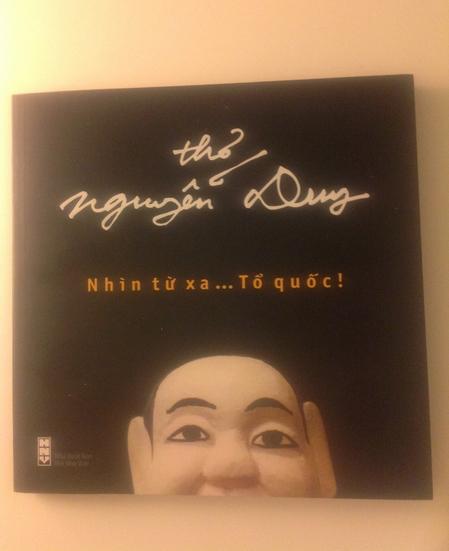 """Tập thơ """"Nhìn từ xa...Tổ quốc!"""" của Nguyễn Duy"""