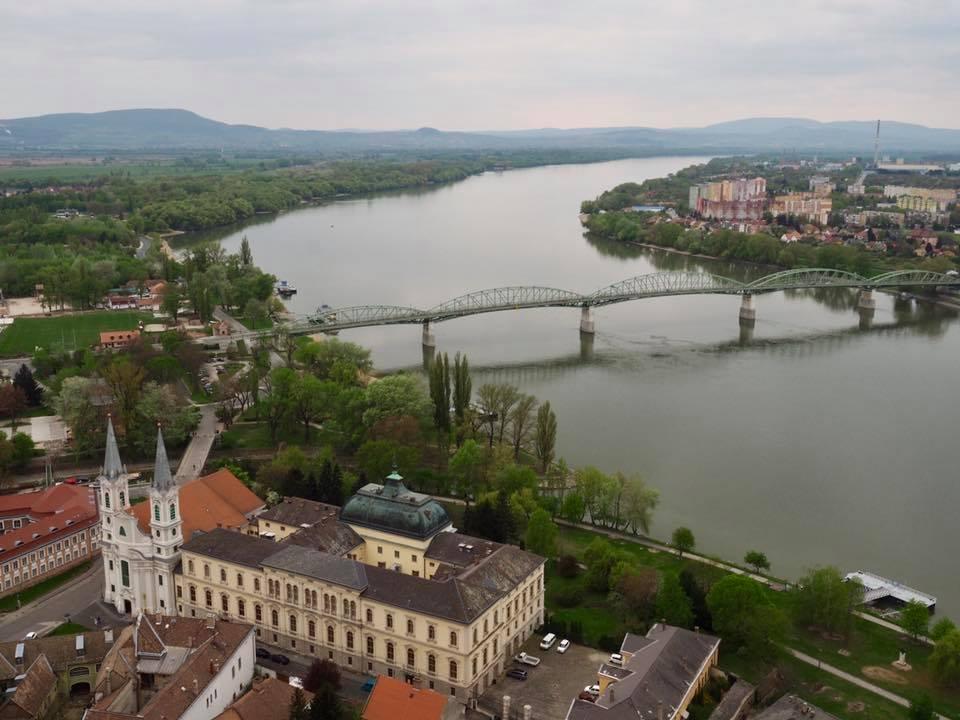 Cây cầu biên giới nối Hungary và Slovakia