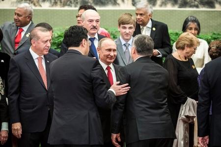 """Thủ tướng Orbán Viktor hội ngộ các nhà độc tài Putin (Nga), Erdoğan (Thổ Nhĩ Kỳ) và Lukašenka (Lukashenko, Belarus) tại Trung Quốc trong sự kiện """"Một vành đai - một con đường"""" của Bắc Kinh - Ảnh: 444.hu"""