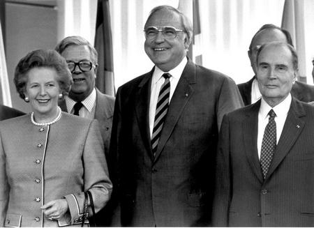 Helmut Kohl, cha đẻ nước Đức thống nhất cùng các lãnh đạo Châu Âu, bà Margaret Thatcher và ông François Mitterrand - Ảnh tư liệu