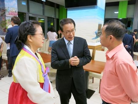 Giao lưu với các đại diện IYF Hà Nội