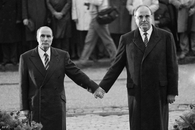 Cùng Tổng thống Pháp François Mitterrand tại Verdun, năm 1984 - Ảnh tư liệu