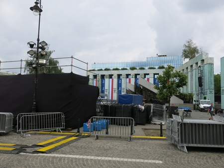 Quảng trường Krasiński trước giờ G