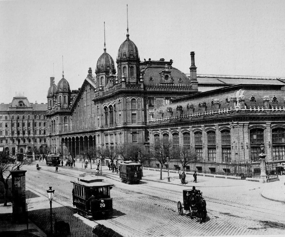 Ga Tây khai trương vào mùa thu năm 1877 được coi là vừa đáp ứng nhu cầu giao thông tăng vọt của Hungary thời bấy giờ, vừa làm gia tăng diện mạo hấp dẫn của Đại lộ Vòng cung Lớn và thủ đô Budapest - Ảnh tư liệu