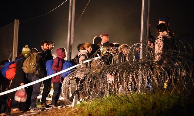 Quan điểm nhân đạo của Thủ tướng Angela Merkel với người tỵ nạn là một trong những nguyên nhân khiến uy tín của bà sụt giảm