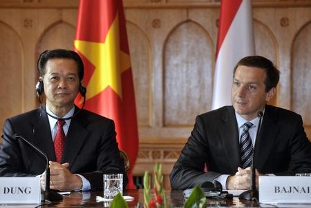 Thủ tướng Hungary Bajnai Gordon và Thủ tướng Việt Nam Nguyễn Tấn Dũng, Budapest ngày 18-9-2009 - Ảnh: Beliczay László (MTI)