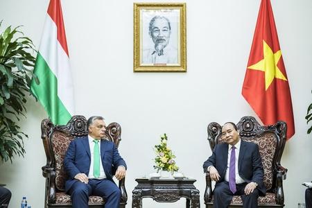 Thủ tướng Hungary Orbán Viktor và Thủ tướng Việt Nam Nguyễn Xuân Phúc tại Hà Nội - Ảnh: Szecsődi Balázs (Văn phòng Báo chí Thủ tướng)