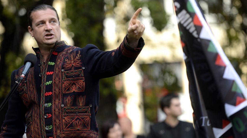 Trên cương vị diễn giả trong nhiều hoạt động mang tính dân tộc cực đoan - Ảnh: Internet