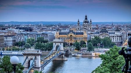 Cầu Xích cổ kính và kiều diễm nối Buda và Pest - Ảnh: Internet