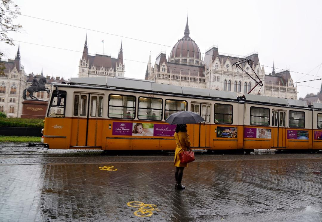 Mưa Budapest
