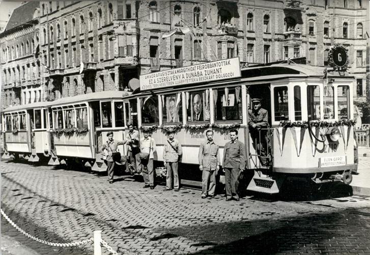 Tàu điện thời sau 1945 - Ảnh: BKV