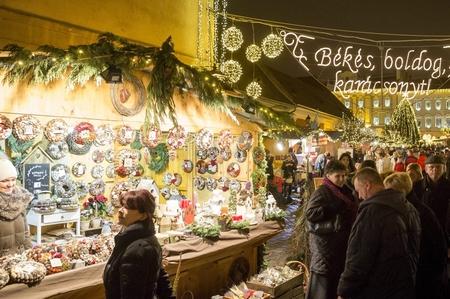 Chợ Giáng sinh ở Óbuda - Ảnh: Mohai Balázs (MTI)