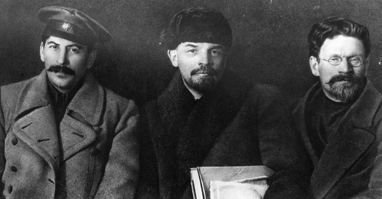 Từ trái sang: Stalin, Lenin và Trotsky - Ảnh tư liệu