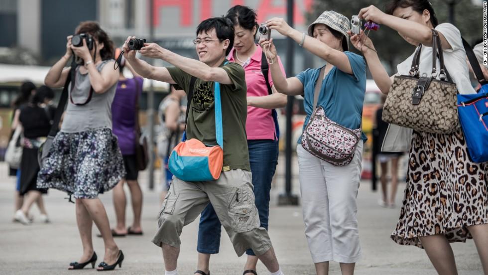 Ở nhiều nơi, du khách Trung Quốc không được ưa vì có cách hành xử thiếu văn minh. Minh họa: cnn.com